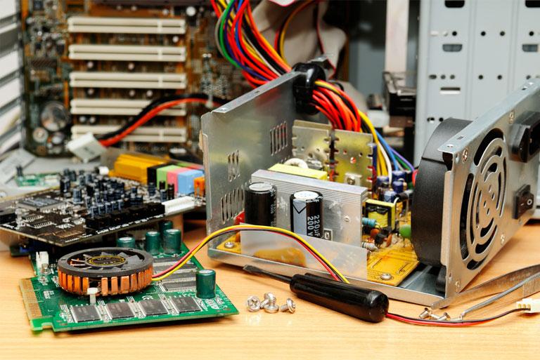 поломка комплектующих компьютера